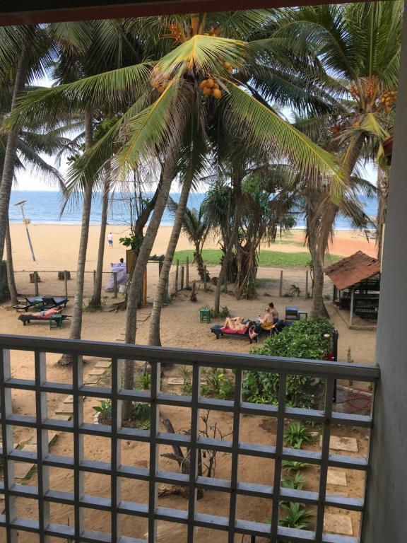 Вид на бассейн в Dephani Beach Hotel или окрестностях