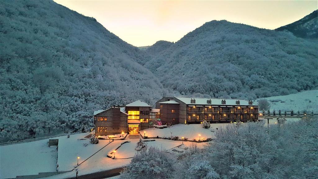 Το Hotel Kaimak Inn Spa & Resort τον χειμώνα