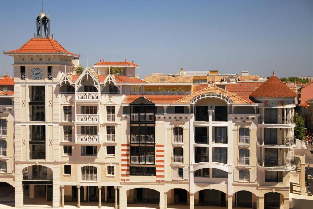Condo Hotel Residhome Arcachon Plazza France Booking Com