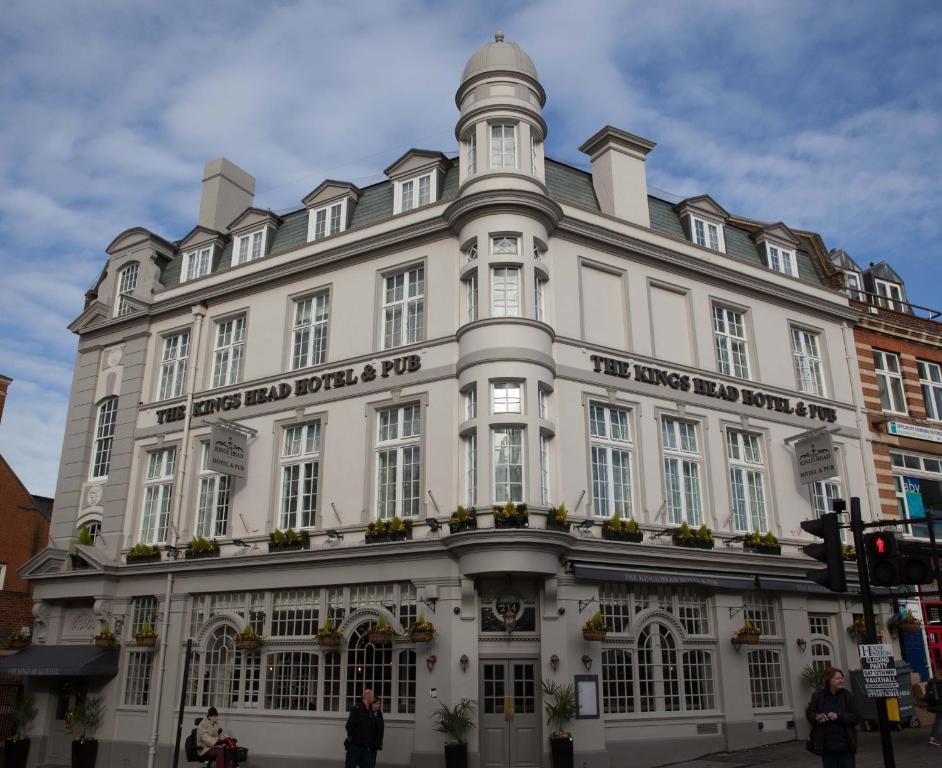 The Kings Head Hotel.