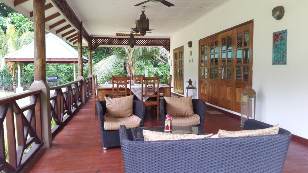 A seating area at Paodise Guesthouse