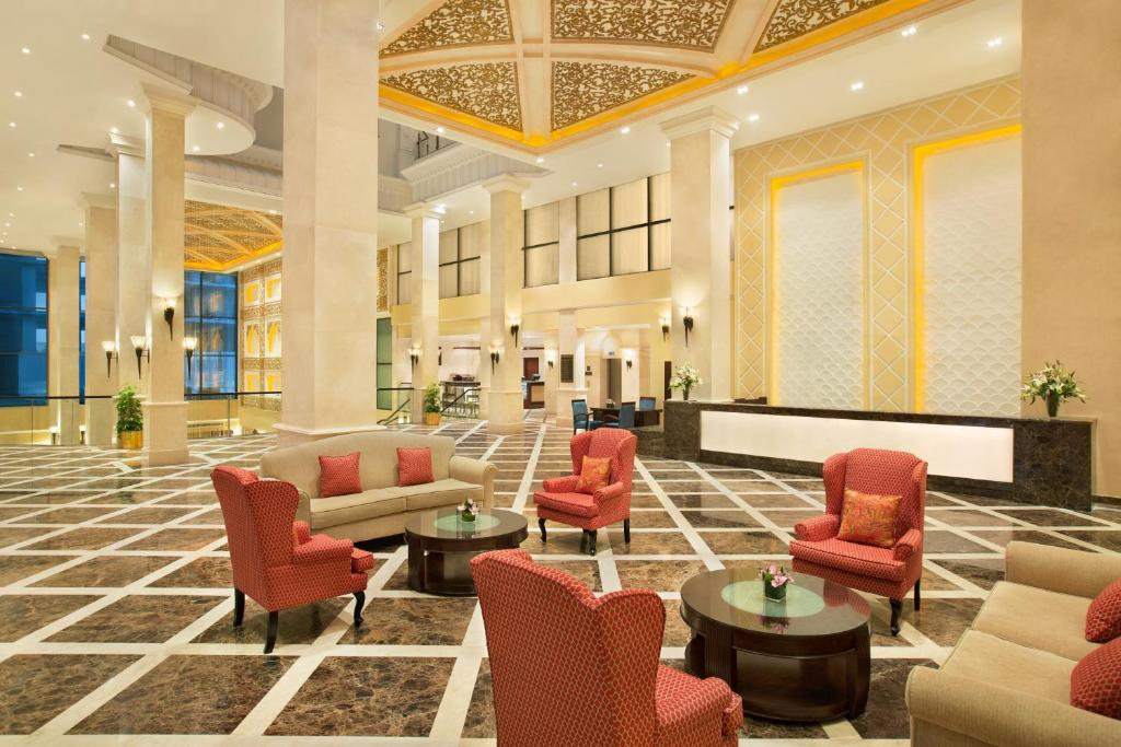 The lounge or bar area at DoubleTree by Hilton Dhahran