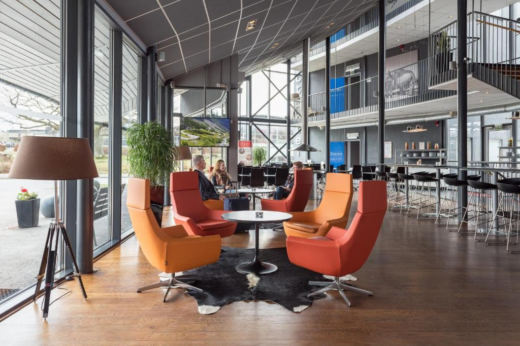 The lounge or bar area at Connect Hotel Arlanda
