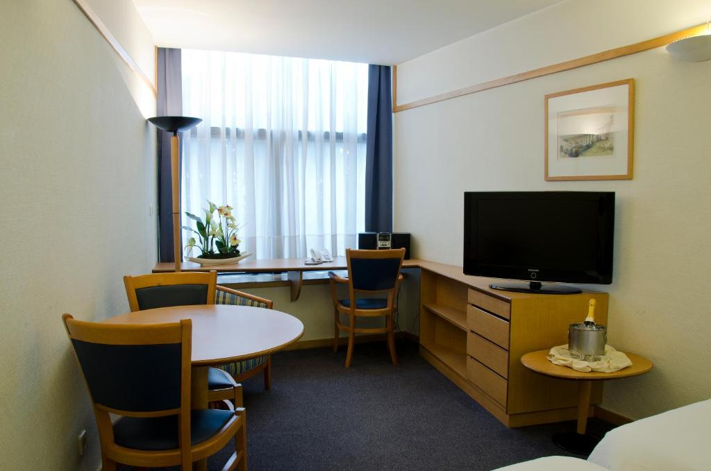 VIP Executive Eden Aparthotel