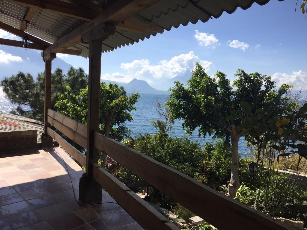 Hotel Terrazas Del Lago San Antonio Palopó Guatemala