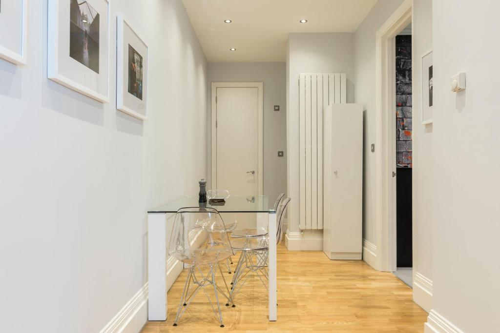 Access Earls Court - Laterooms
