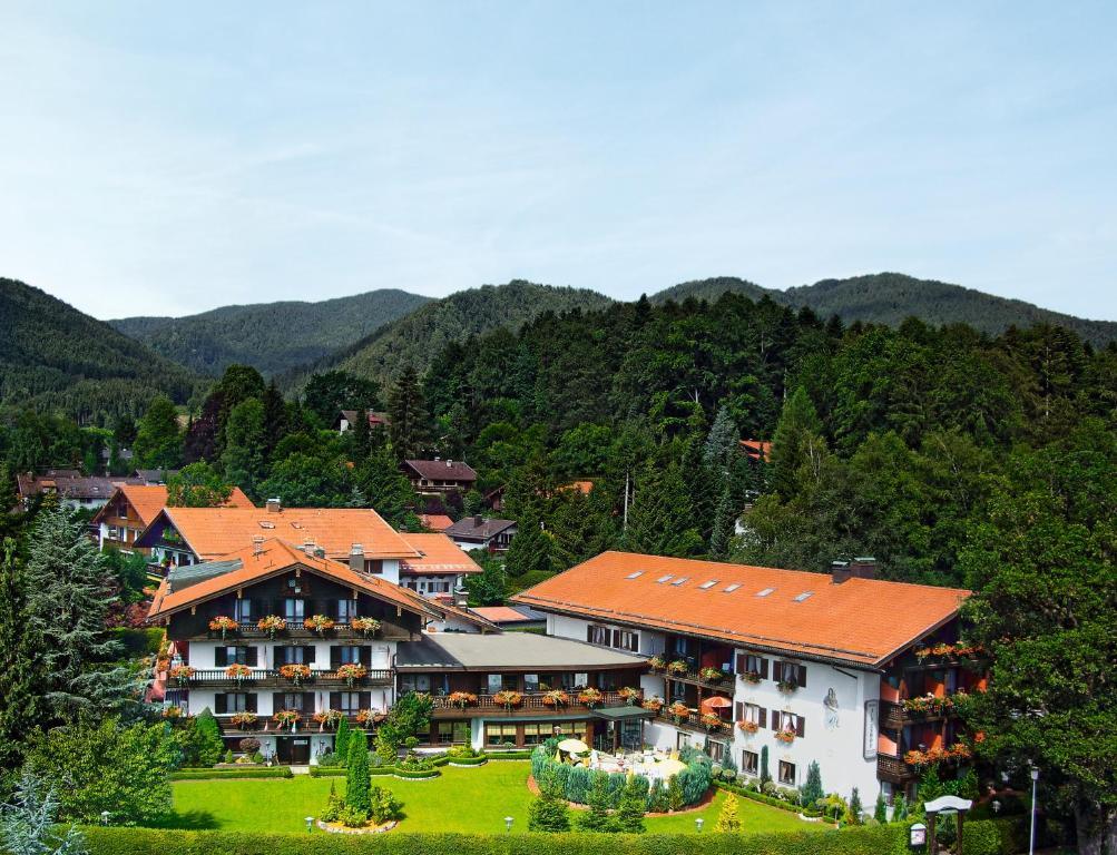 Blick auf Hotel Alpenhof aus der Vogelperspektive