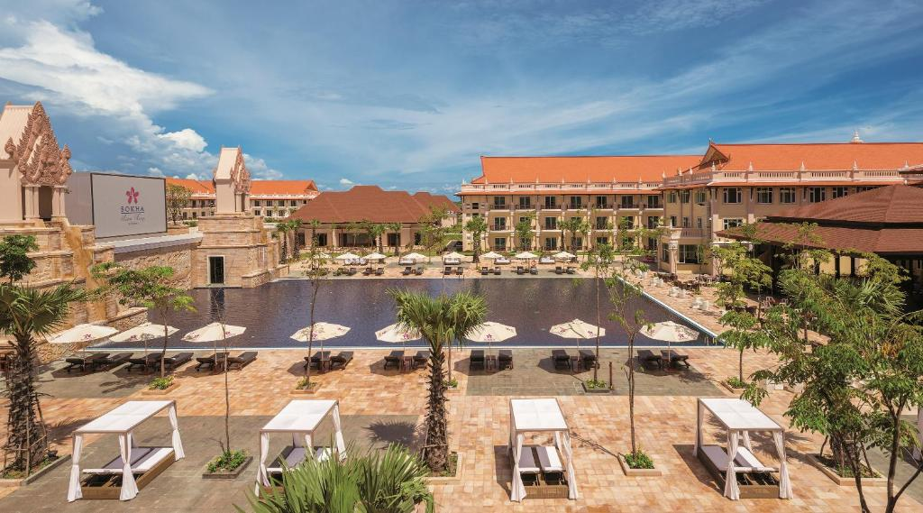 A view of the pool at Sokha Siem Reap Resort & Convention Center or nearby