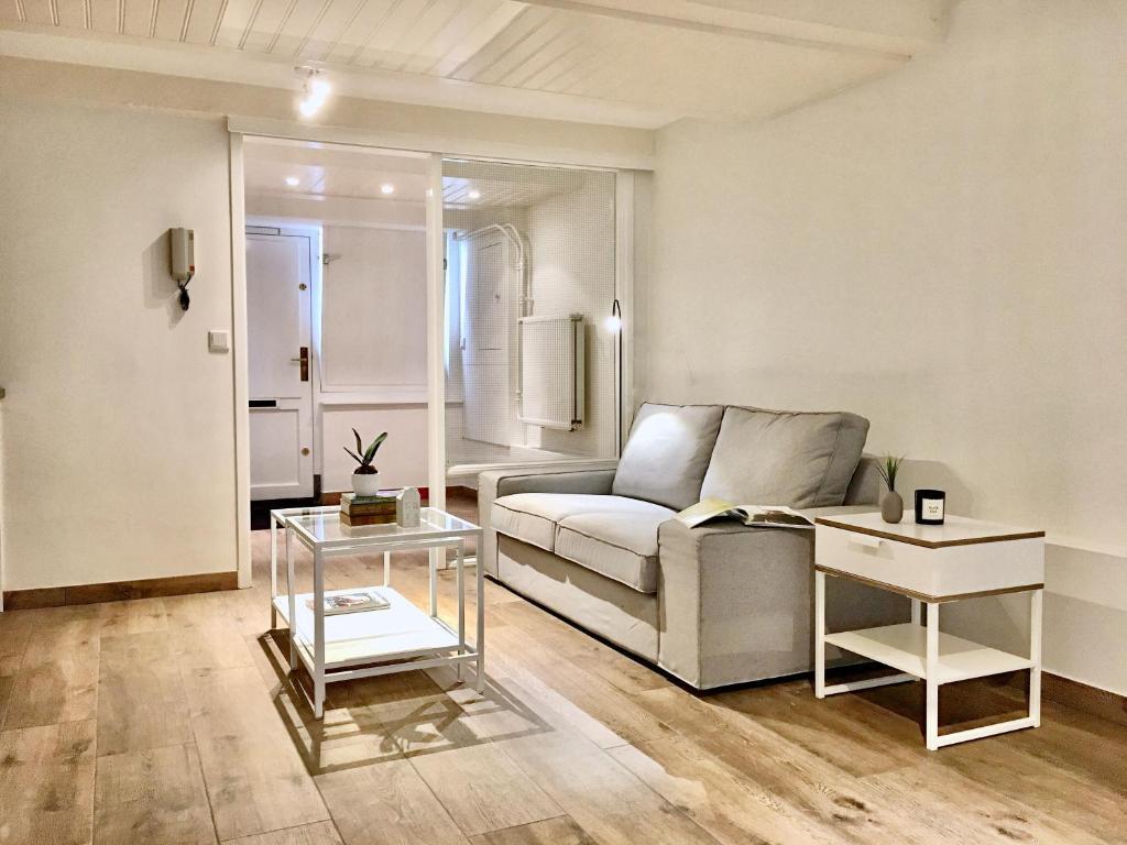 Hasil gambar untuk basement furniture rendah