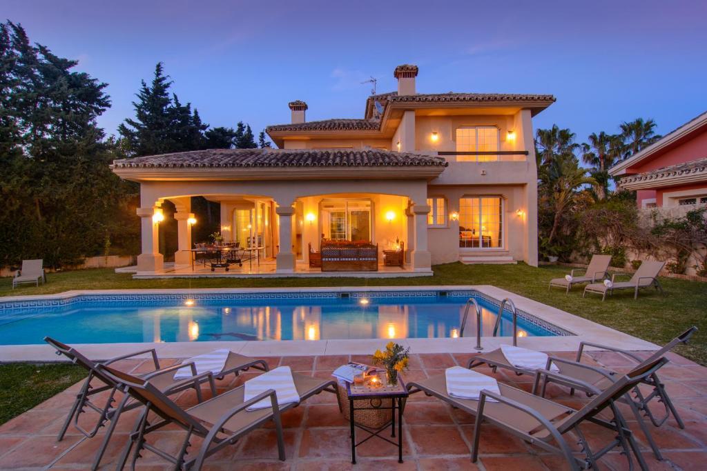 Villa Las Chapas Playa (Spanje Marbella) - Booking.com