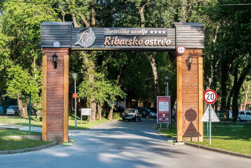 Tourist Resort Ribarsko Ostrvo