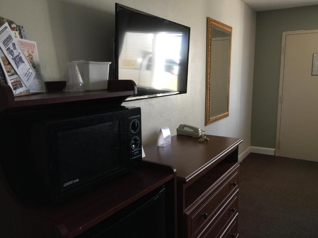 Red Carpet Inn Suites Danville Va Booking