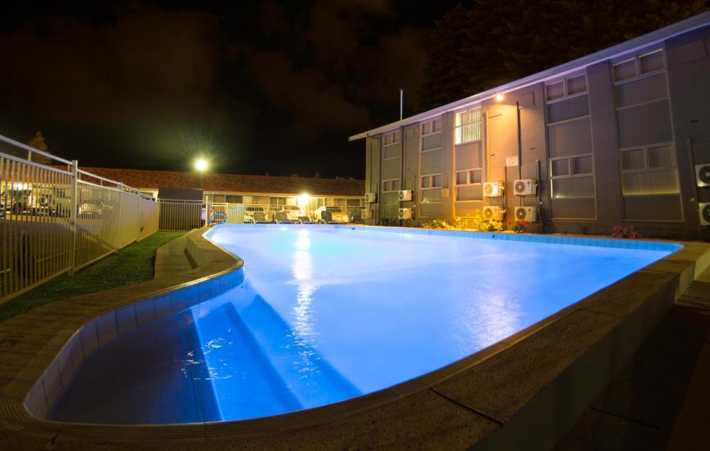 The swimming pool at or near Hospitality Esperance, SureStay by Best Western