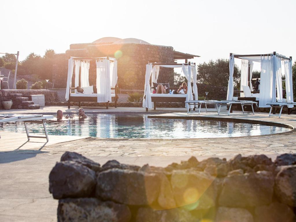 Piscina di Dammusi Al-Qubba Wellness & Resort o nelle vicinanze