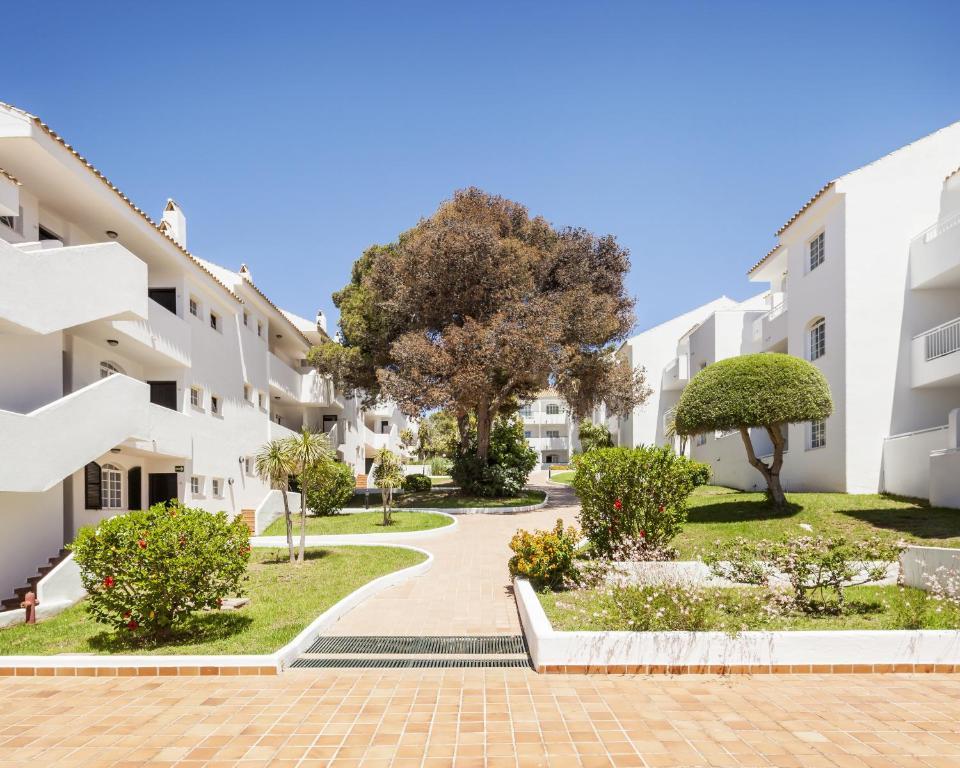 Aparthotel Ilunion Menorca (España Cala Galdana) - Booking.com