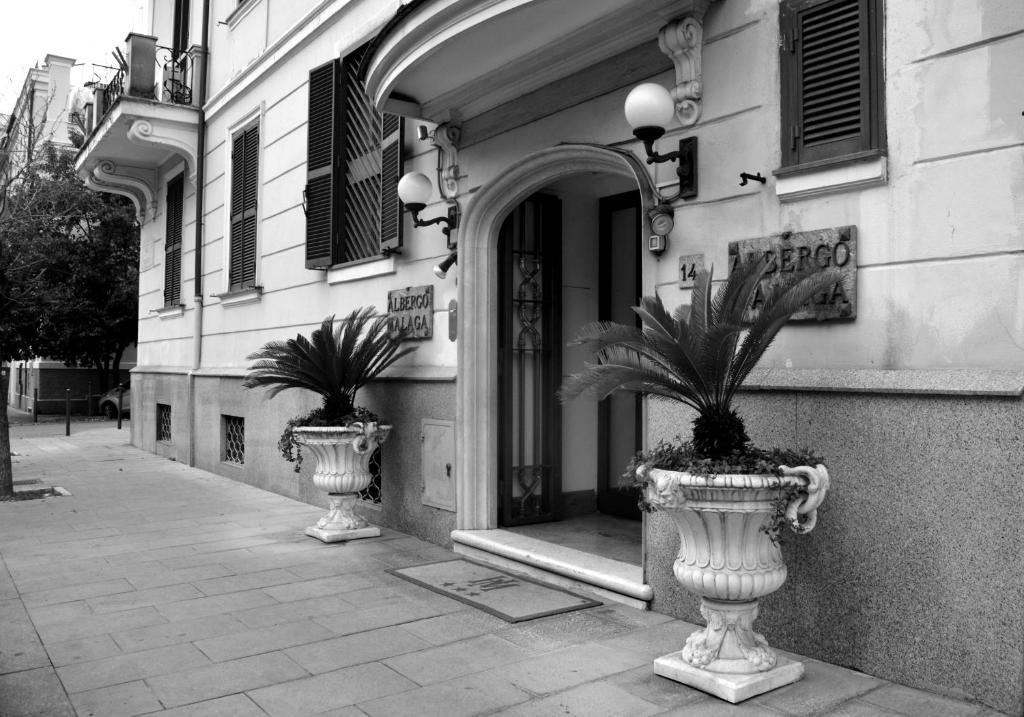 Hotel Malaga, Rome, Italy - Booking.com on marseille italy, london italy, valencia italy, granada italy, ibiza italy, messina italy, vienna italy, geneva italy, mantua italy, athens italy, cologne italy, cartagena italy, seville italy, barcelona italy,