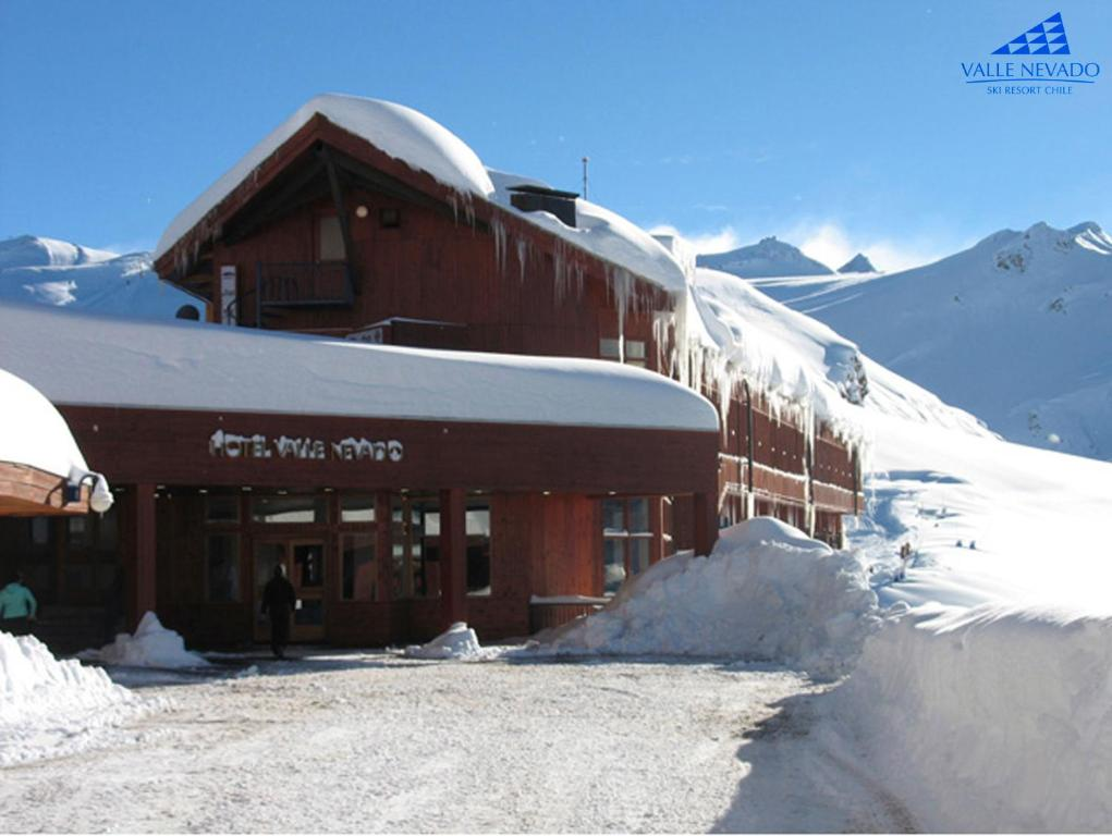 Hotel Valle Nevado during the winter