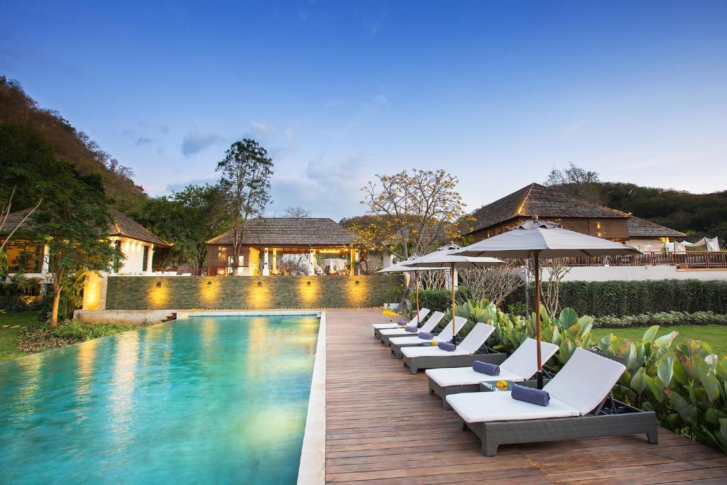 Majoituspaikassa The Series Resort Khaoyai tai sen lähellä sijaitseva uima-allas