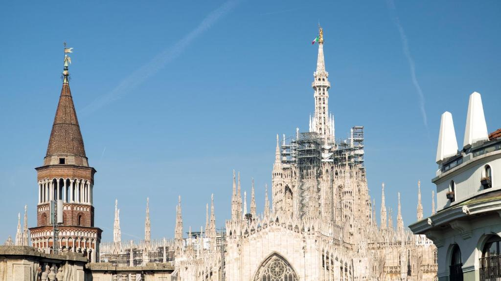 Apartment La Terrazza Sul Duomo Milan Italy Booking Com