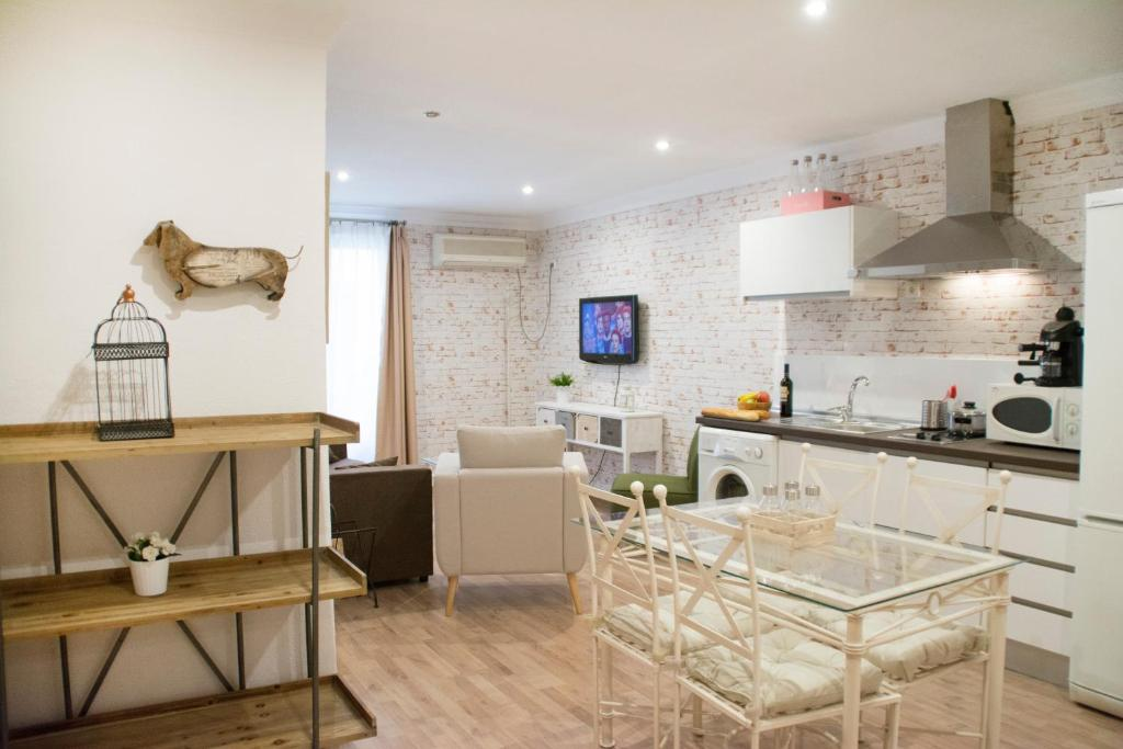 Apartamentos Sevilla Palace Seville Spain Booking Com