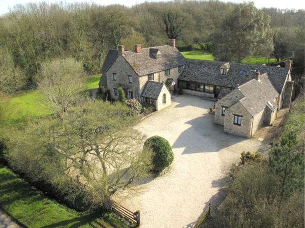 A bird's-eye view of Gorselands Hall Bed and Breakfast
