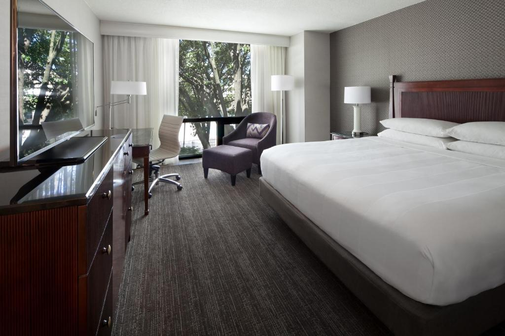 A room at the Washington Dulles Airport Marriott.