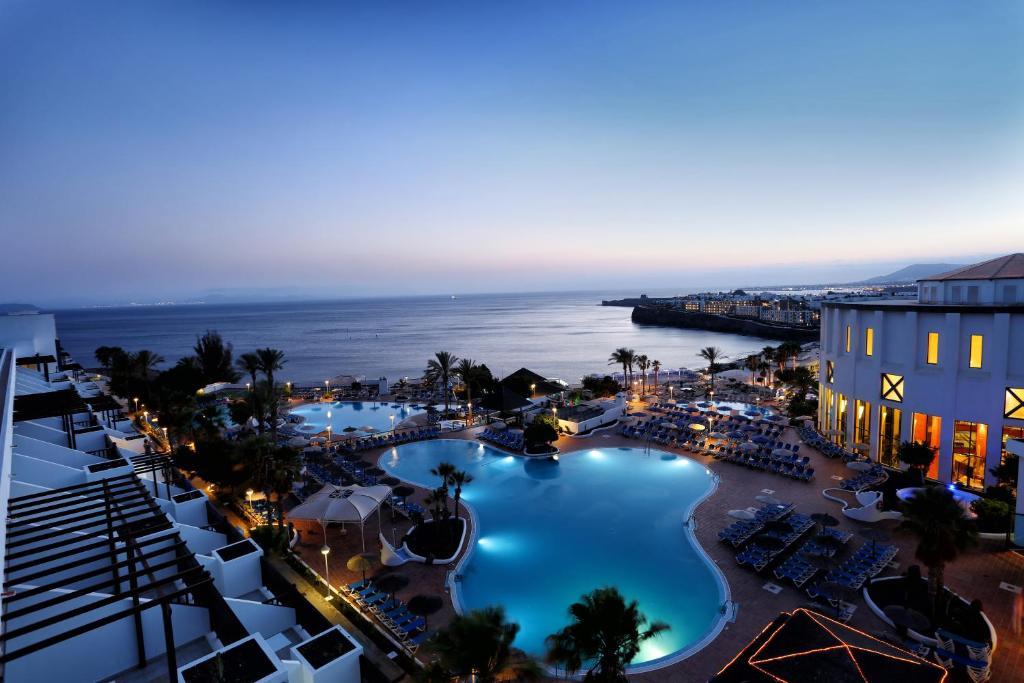 Resort Sandos Papagayo (España Playa Blanca) - Booking.com