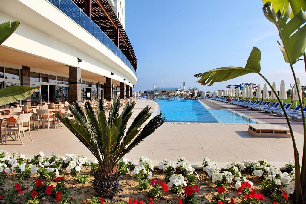 Het zwembad bij of vlak bij Kahya Resort Aqua & Spa