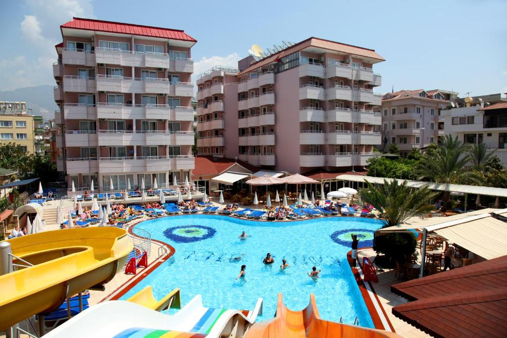 A view of the pool at Kahya Hotel or nearby