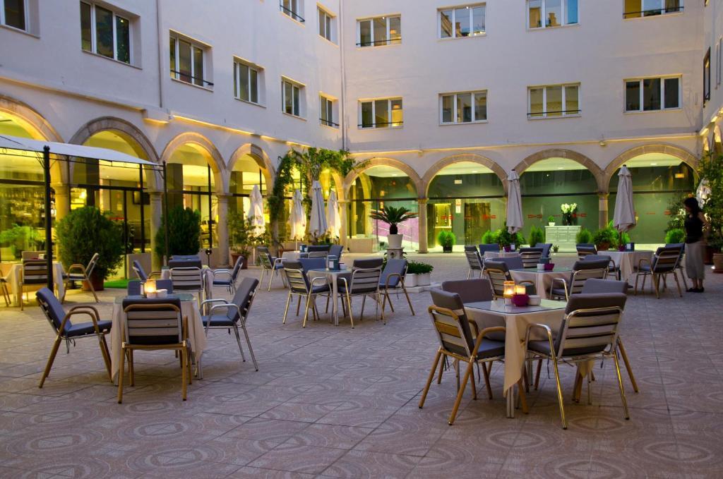 Hotel TRH Ciudad de Baeza, Spain - Booking.com