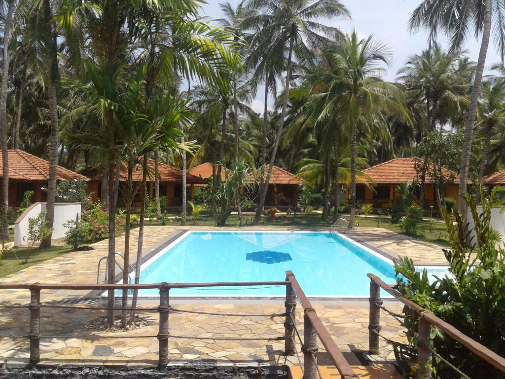 A view of the pool at Puetz Travels Beach Resort or nearby