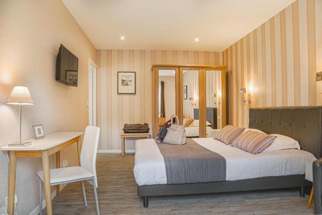 Hotel Le Petit Castel Beuzeville France Booking Com