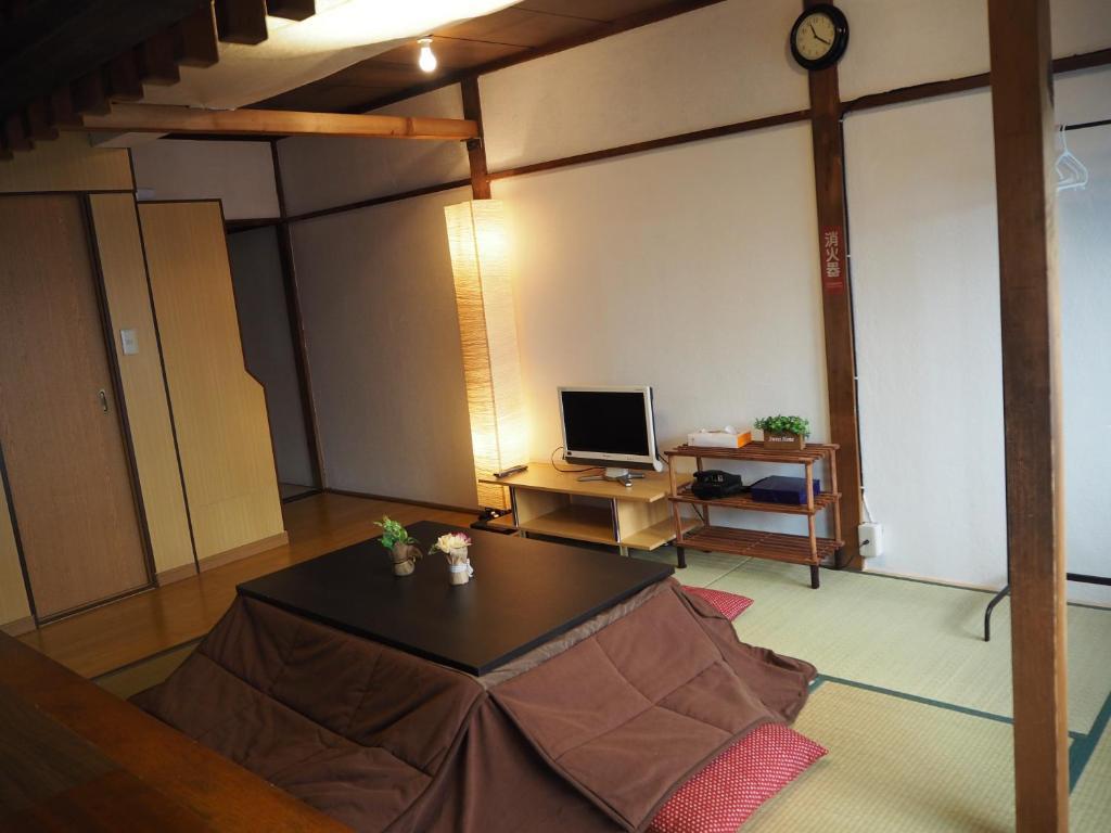 ゲンタ ホステル 東京 スペース 青砥にあるテレビまたはエンターテインメントセンター