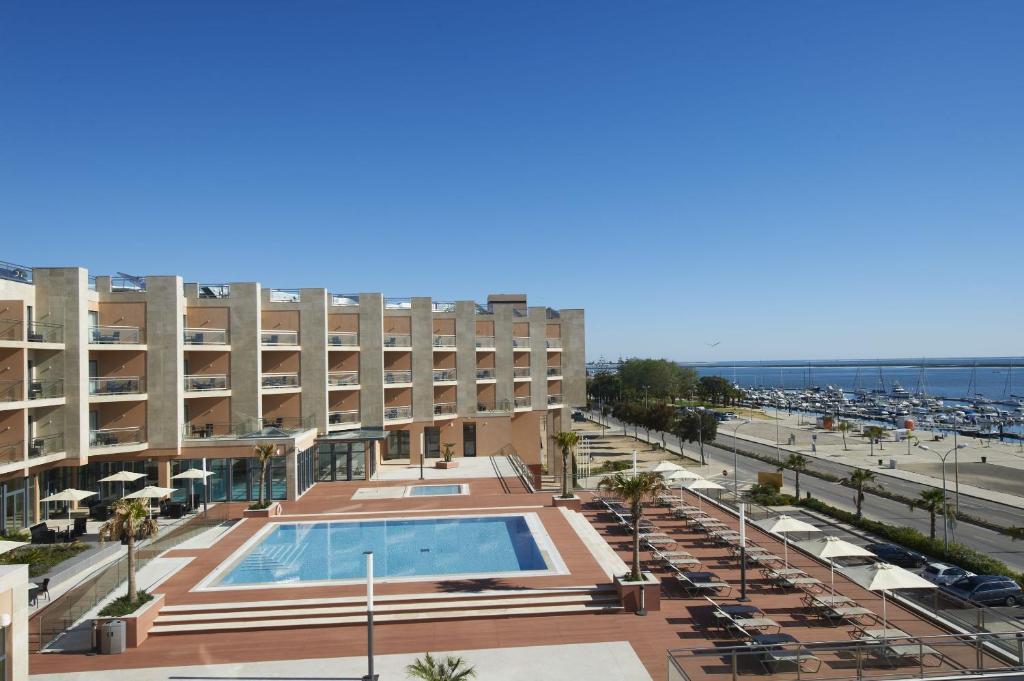 Uma vista da piscina em Real Marina Hotel & Spa ou nas proximidades
