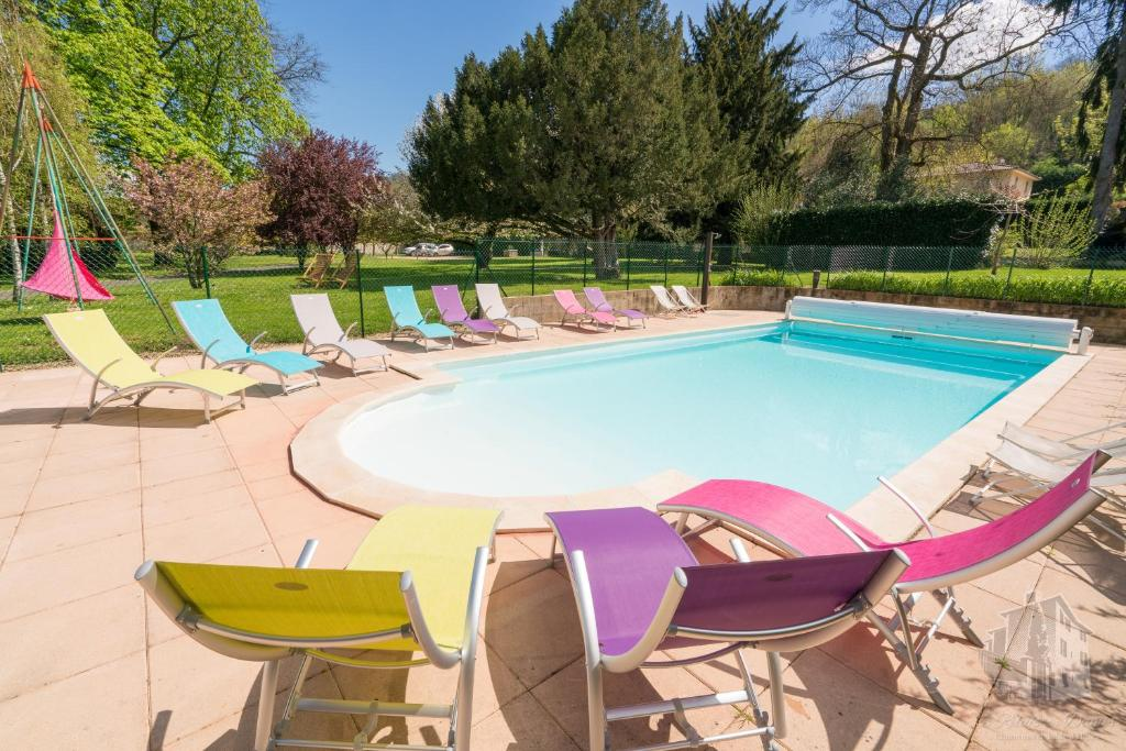 The swimming pool at or close to Le Relais Des Dames