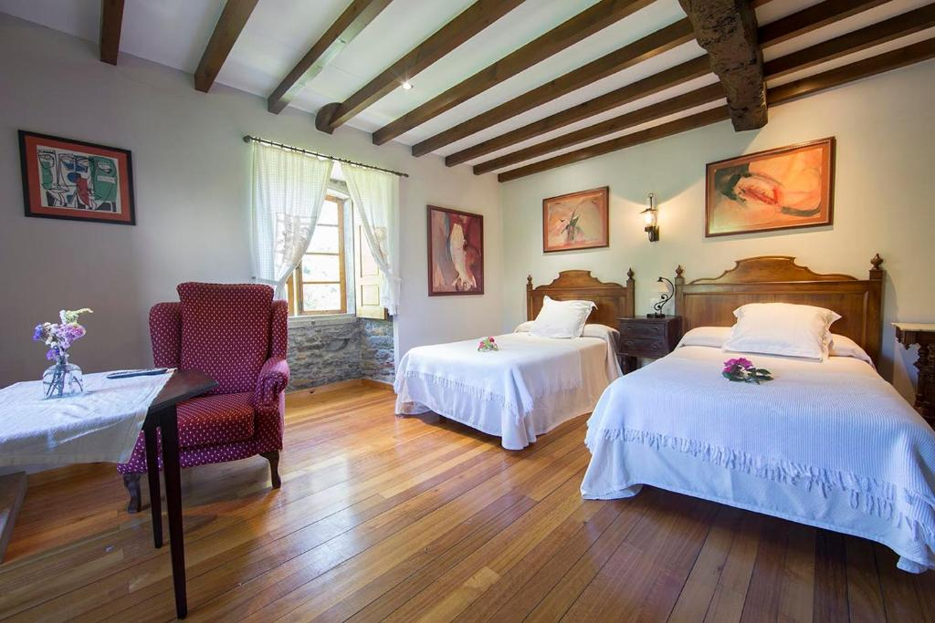 boutique hotels in viveiro  12