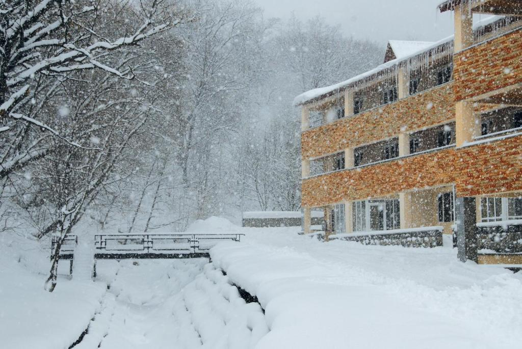 Tsaghkahovit Hotel during the winter