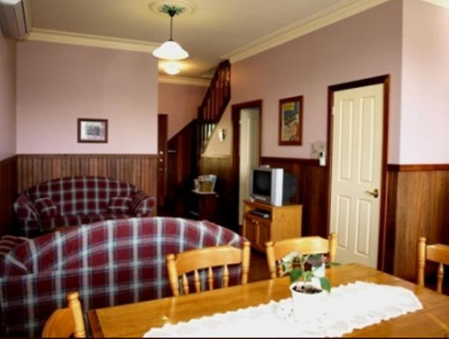Pemberton Old Picture Theatre Holiday Apartments Deals