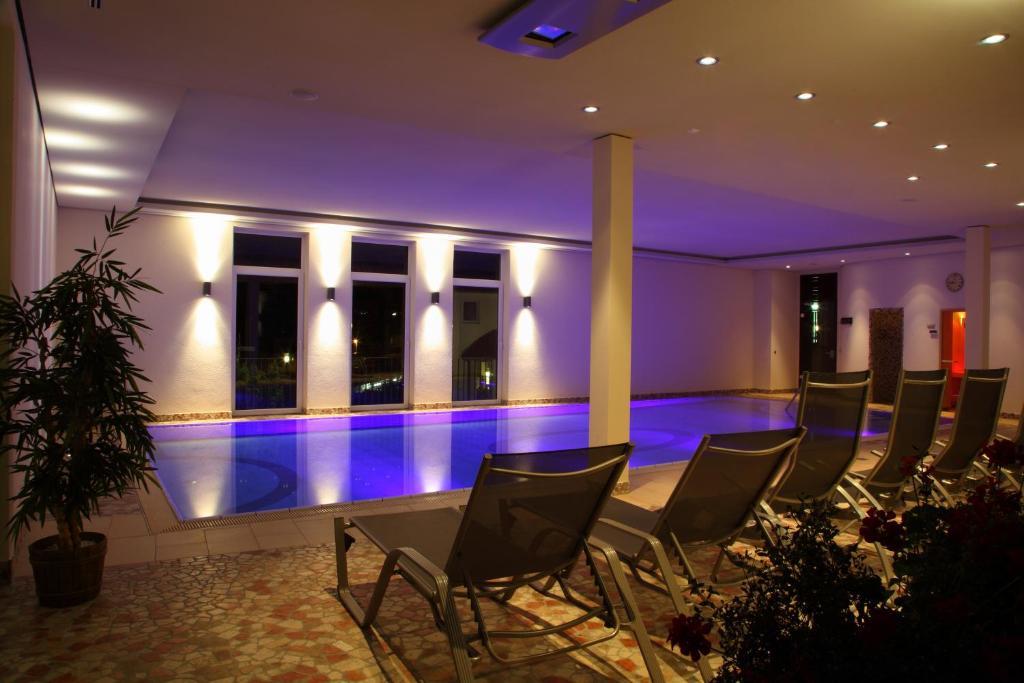 Het zwembad bij of vlak bij Hotel Hessenhof