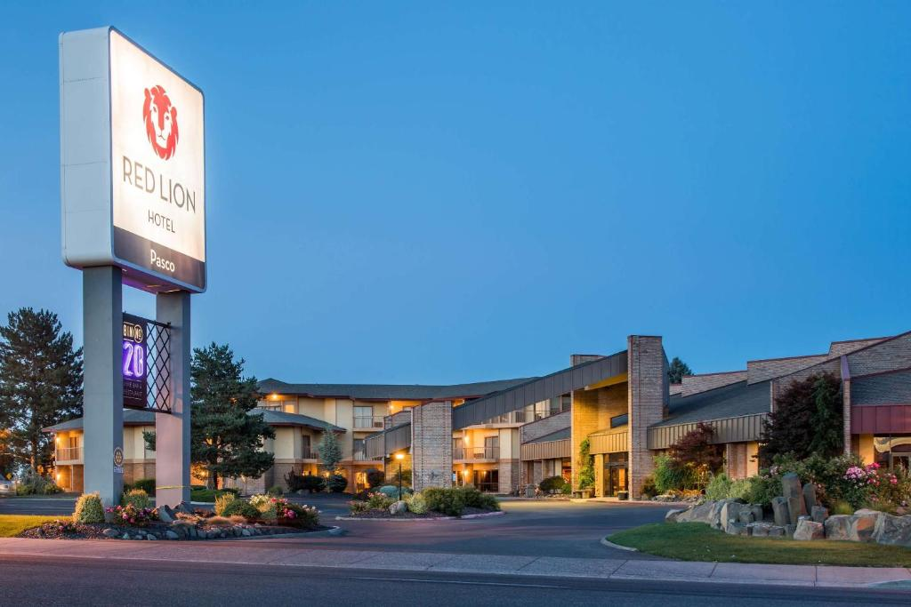 Red Lion Hotel Pasco Airport & Conference Center.