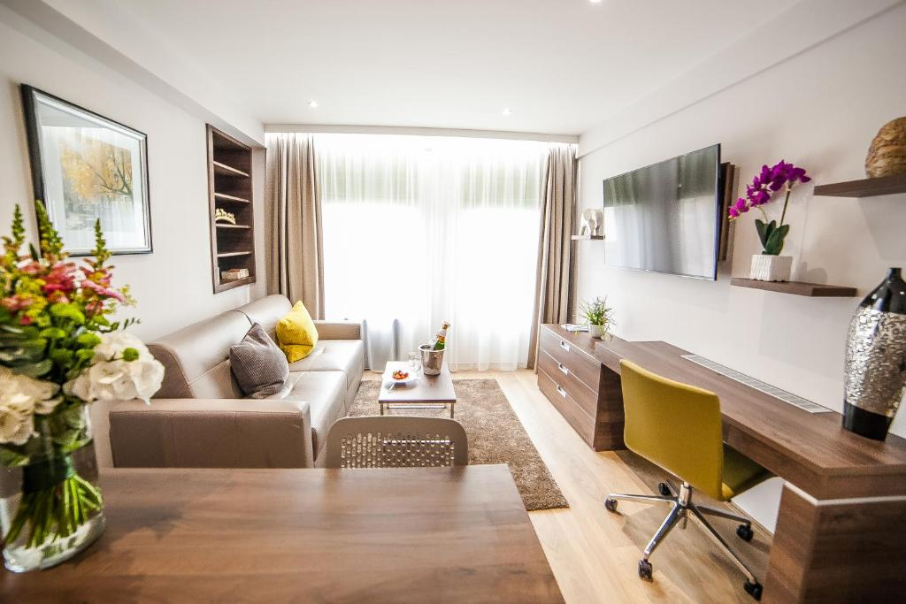 A seating area at Hampton Suites Serviced Apartments