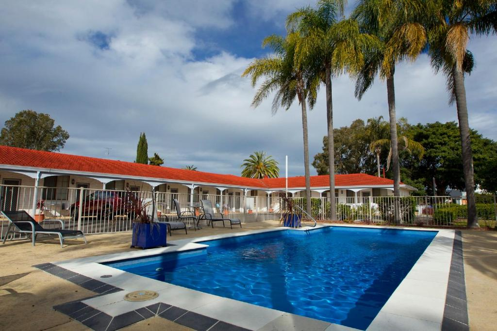 The swimming pool at or near Tuncurry Beach Motel