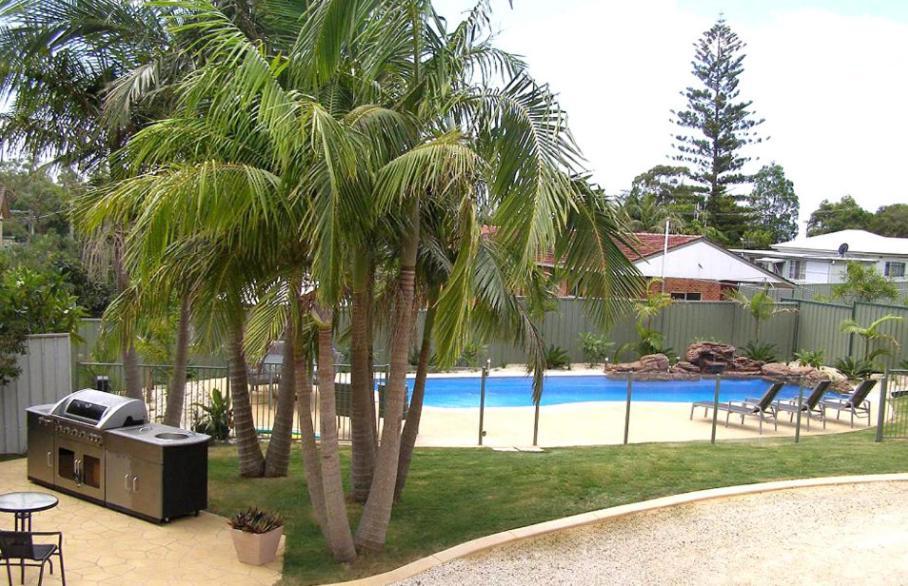 Басейн в Koala Tree Motel або поблизу