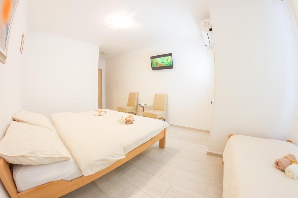Hostel Ami