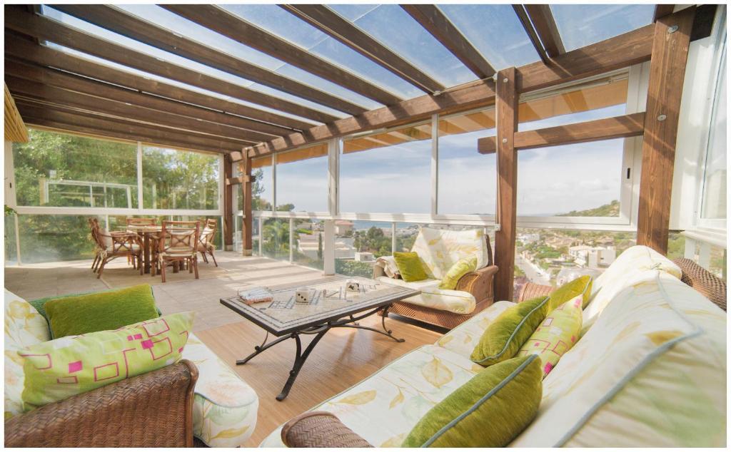 A seating area at Villa Marina