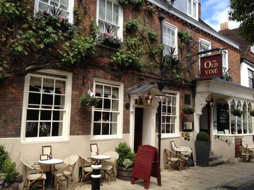 Hotel The Old Vine Winchester Uk Bookingcom