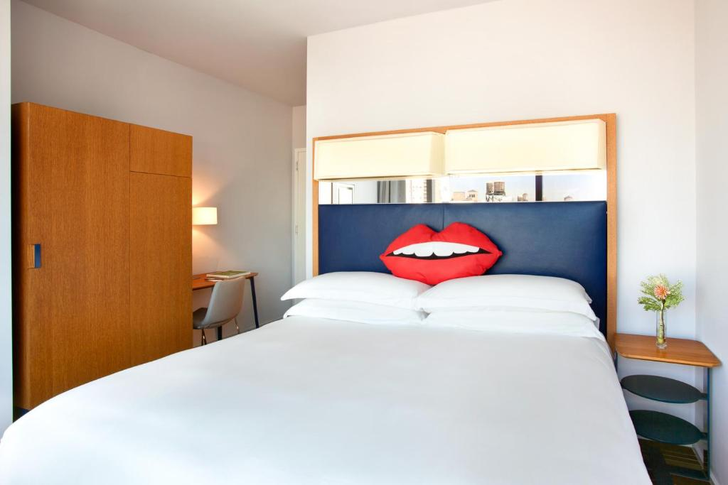 A bed or beds in a room at The Standard - East Village