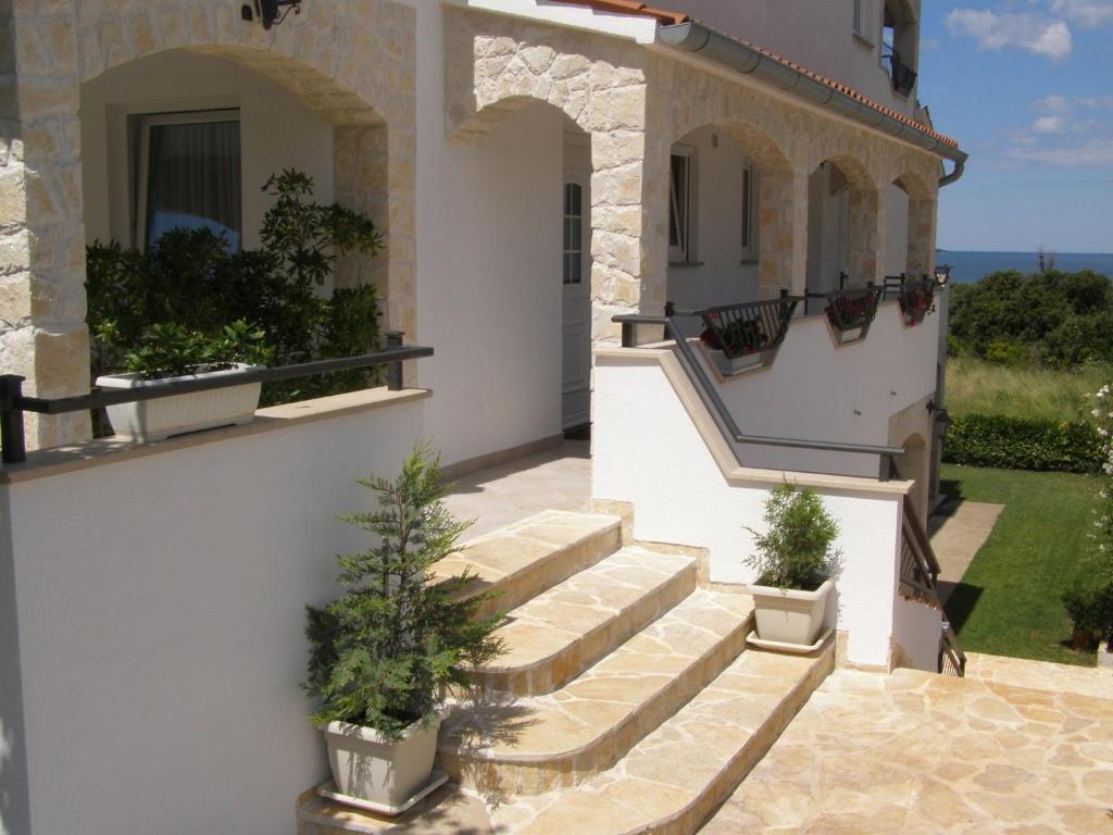 House Lana II