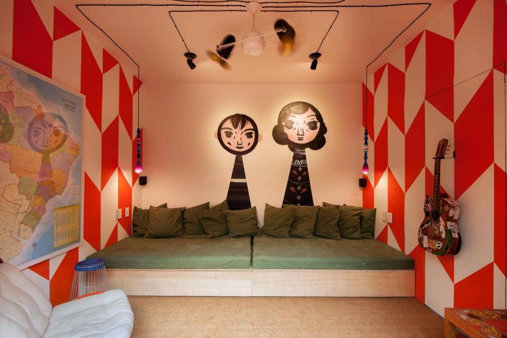 A bed or beds in a room at Ô de Casa Hostel