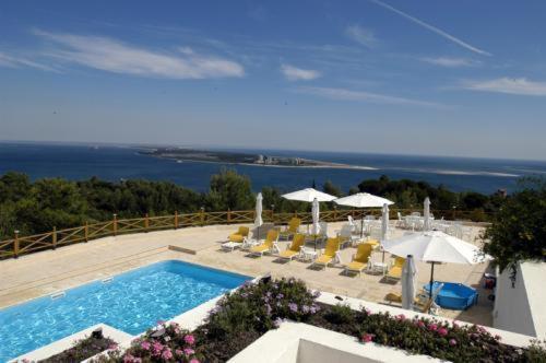 Uma vista da piscina em Quinta Dos Moinhos De Sao Filipe ou nas proximidades